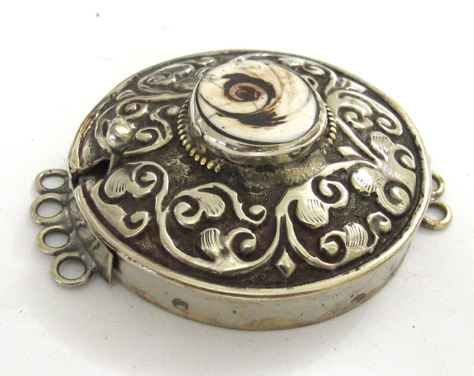 SALE 1 clasp - Large ethnic Tibetan silver shell inlaid statement clasp pendant  from Nepal - PM414C