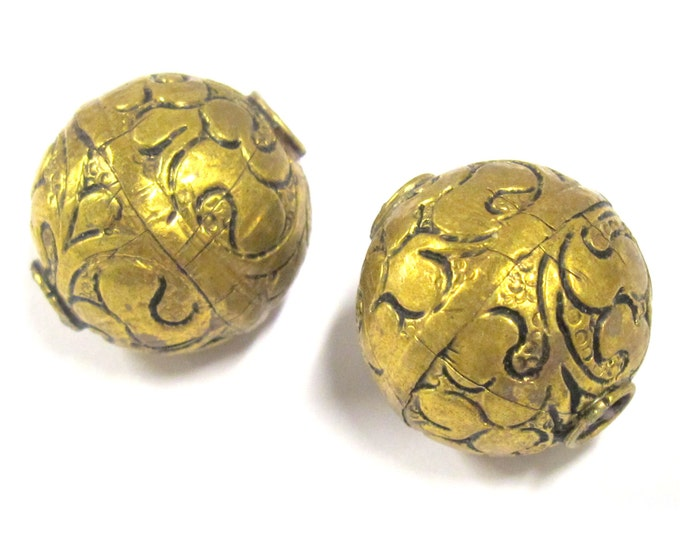 2 BEADS -  Large size 19 - 20 mm Tibetan brass floral repousse antiqued golden tone beads from Nepal -  BD796