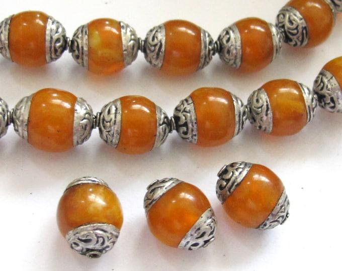 4 BEADS - Tibetan copal resin silver capped beads - BD587B