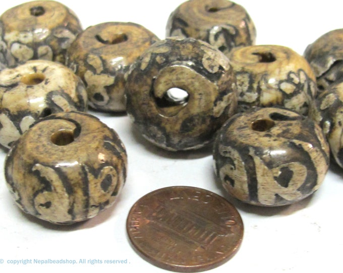 2  Beads -nepal beads tibetan beads Old shell beads  Large size  19 - 21 mm Tibetan Om carved conch shell beads-  CH006K