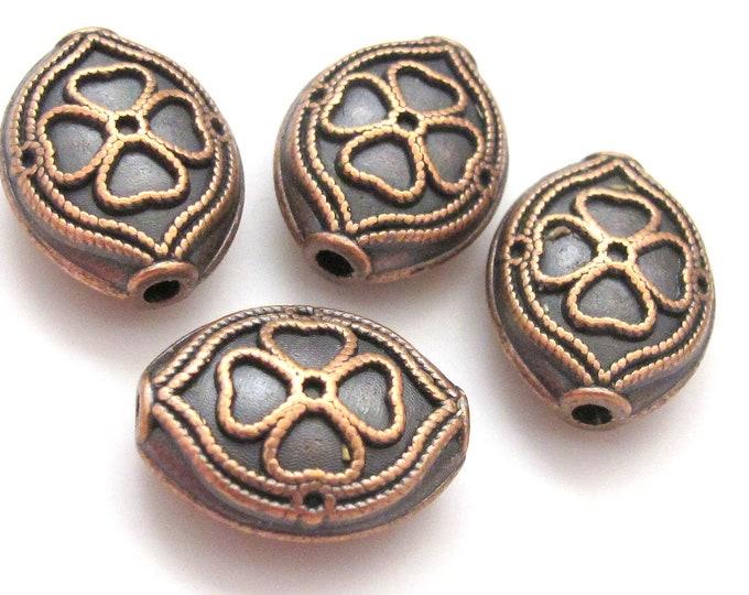 Clover design copper tone metal beads - 2 beads - BD187