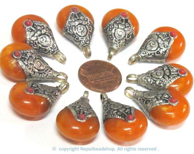 10 Pendants - Tibetan silver honey copal resin reversible pendant with flower design on bail  - PM604s