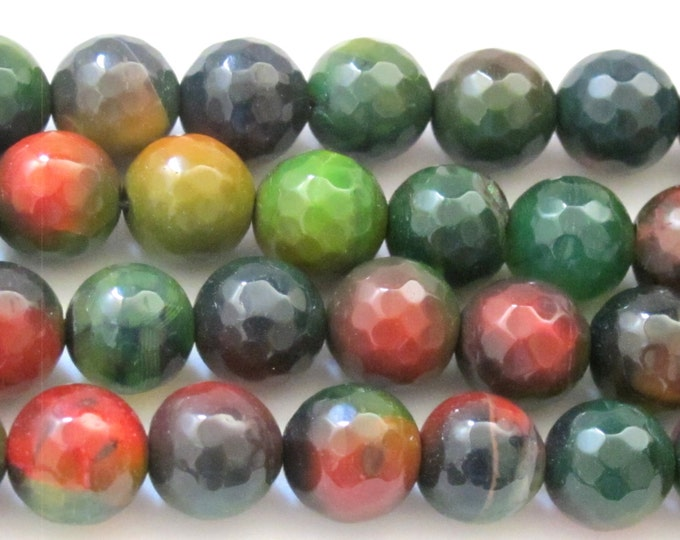 10 BEADS - 10 mm size  Microfaceted Forest Green agate beads - GM274