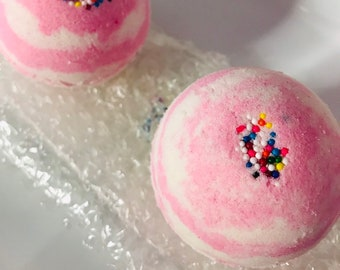 Berry Cake Bath Bomb