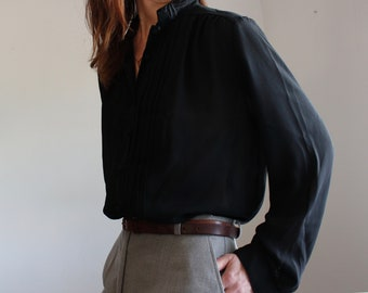 Black Lace Collar Sheer Pleated Blouse