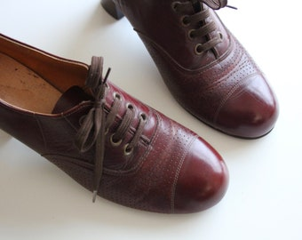 Original 60s / 70s Tan Brown Leather Librarian Oxfords Shoes