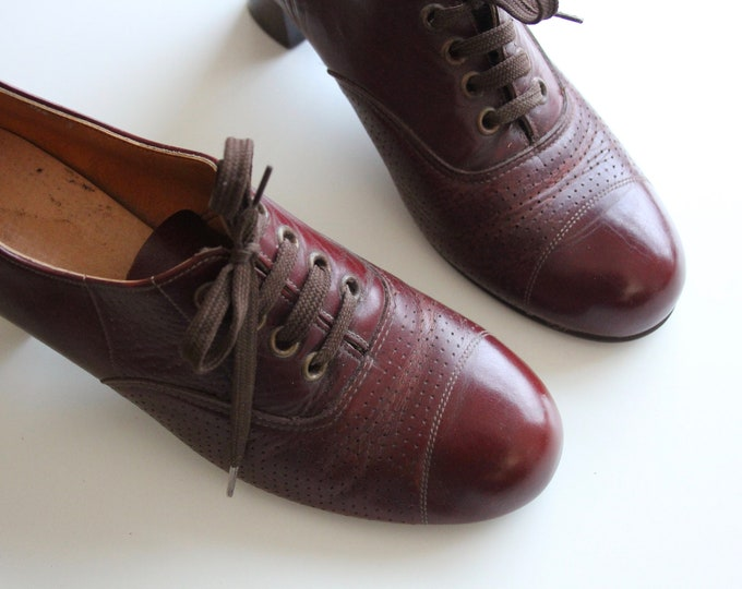 Featured listing image: Original 60s / 70s Tan Brown Leather Librarian Oxfords Shoes