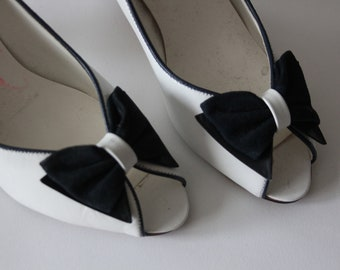 White Bow Clarks 1970's Shoes Pumps Heels