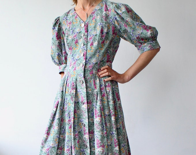 Featured listing image: Garden print Petressa floral puff sleeve folk style dress