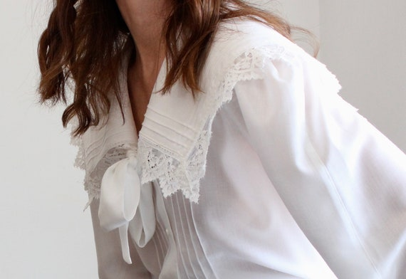 White 80s Bow Lace Sailor Collar Blouse