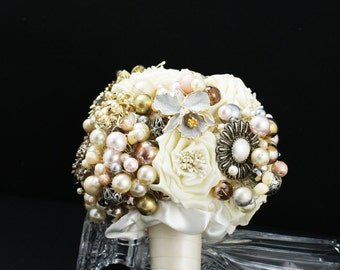 Brooch Bouquet - Jeweled Bouquet - Alternative Bouquet - Vintage Brooch Bouquet - Pearl Bouquet - Bridal Bouquet - Wedding Broach Bouquet