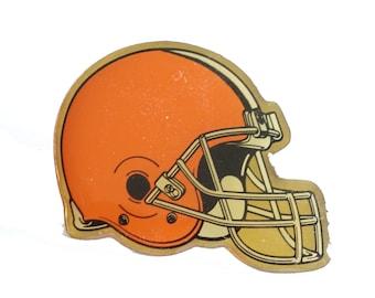 5881b7b65ed CLEVELAND BROWNS Helmet Logo vintage enamel pin badge nfl Football Ohio