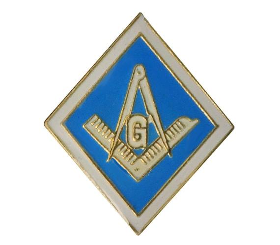 FREEMASON vintage enamel pin badge Masonic Square and Compass  570c93f0df15