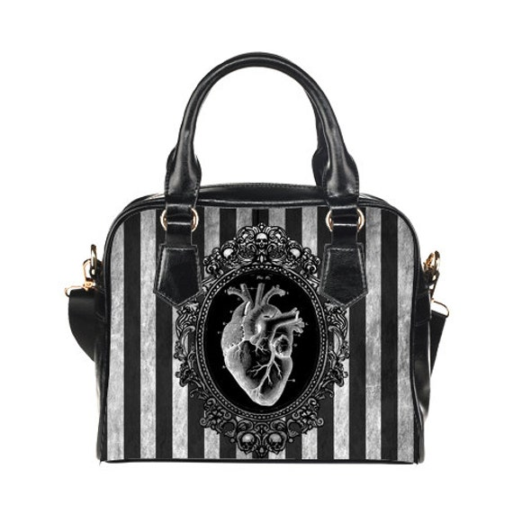 Black Heart Shoulder Handbag