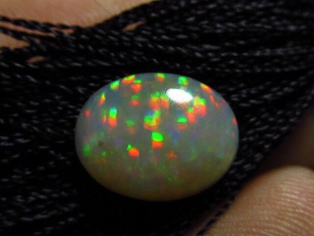 10 x 12 mm - - - Cabochon ovale de coupe - WELO Ethiopie opale - couleur naturelle incroyable feu vert rouge Mix 62ba6f