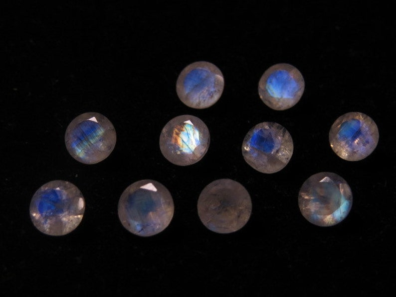 High Quality So Gorgeous  Round Cut  Stone Super Sparkle Full Blue Flashy Fire size 5x5 mm AAA Rainbow MOONSTONE 10 pcs