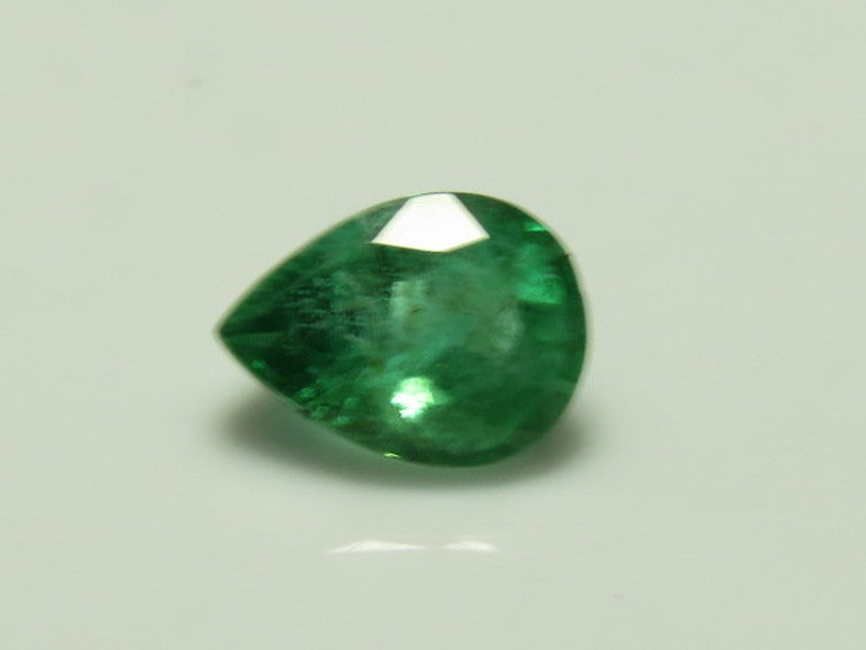 EMERALD From Colombian Natural Green Color Faceted Pear Cut  Stone Sparkle size 5x7 mm Height 4 mm 100/% Natural Not Any Treated