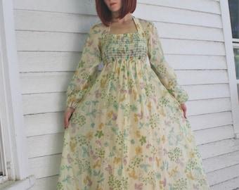 577daea4798 Vintage 70s Maxi Dress Hippie Floral Smocked Long Romantic S XS