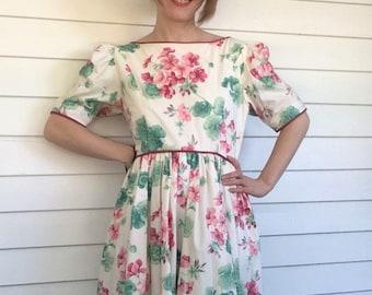 e008581b798 80s Floral Print Dress Spring Summer Button Back Romantic Vintage S