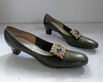 7b23798824 60s Green Shoes Mod Heels Vintage Socialites 10 AAA 9