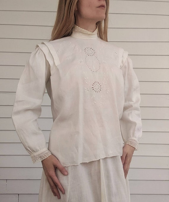 Antique Edwardian Blouse Eyelet Embroidered Butto… - image 6