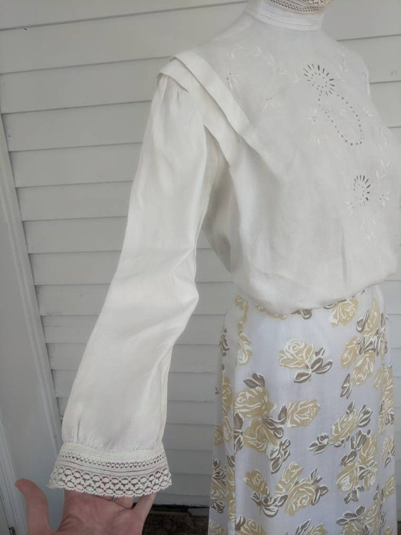 Antique Edwardian Blouse Eyelet Embroidered Butto… - image 3