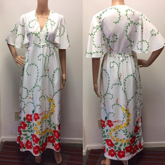White Floral Wrap Maxi Dress Robe 70s Vintage Sayb