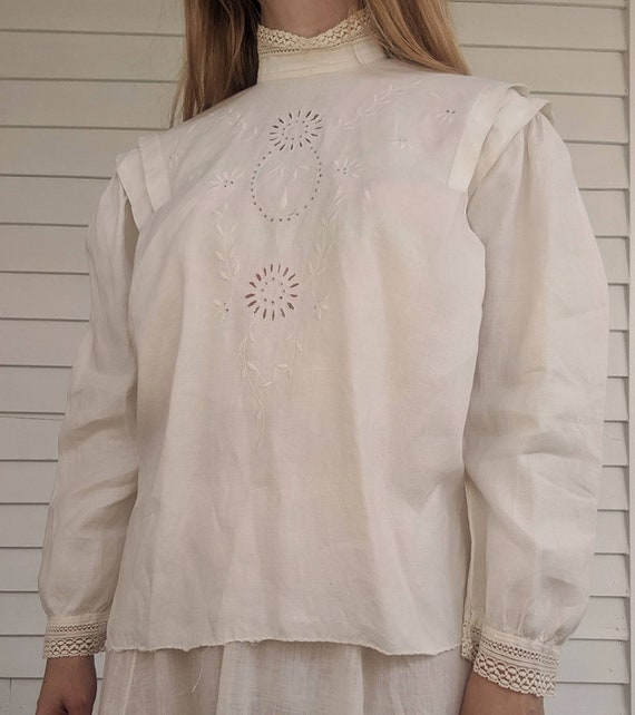 Antique Edwardian Blouse Eyelet Embroidered Butto… - image 7