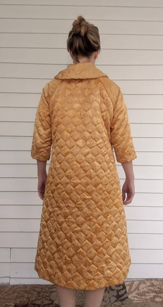 Quilted Gold Robe Bedjacket Dressing Gown 60s Vin… - image 4