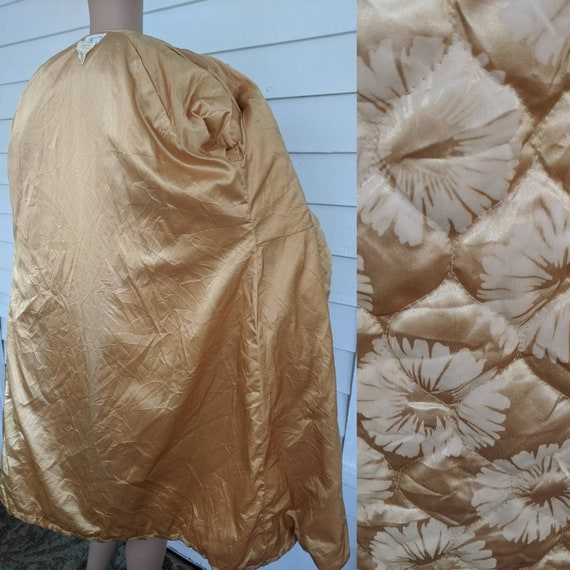 Quilted Gold Robe Bedjacket Dressing Gown 60s Vin… - image 5