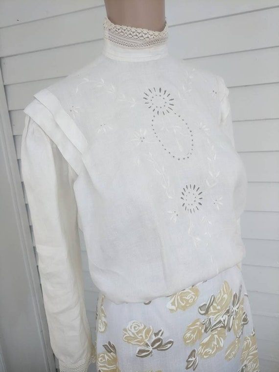 Antique Edwardian Blouse Eyelet Embroidered Butto… - image 1