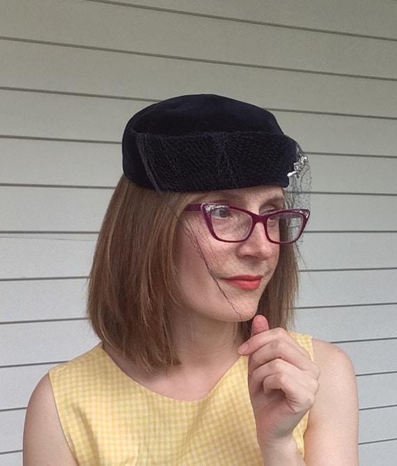 Dark Blue Velvet Veil Hat Vintage 50s 1950s - image 4