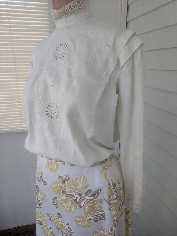 Antique Edwardian Blouse Eyelet Embroidered Butto… - image 2