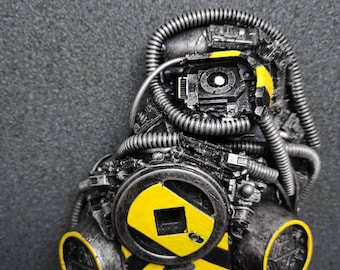 Cyberpunk gang resporator mask with bionic eye Cosplay piece hazard markings 40k necromunda