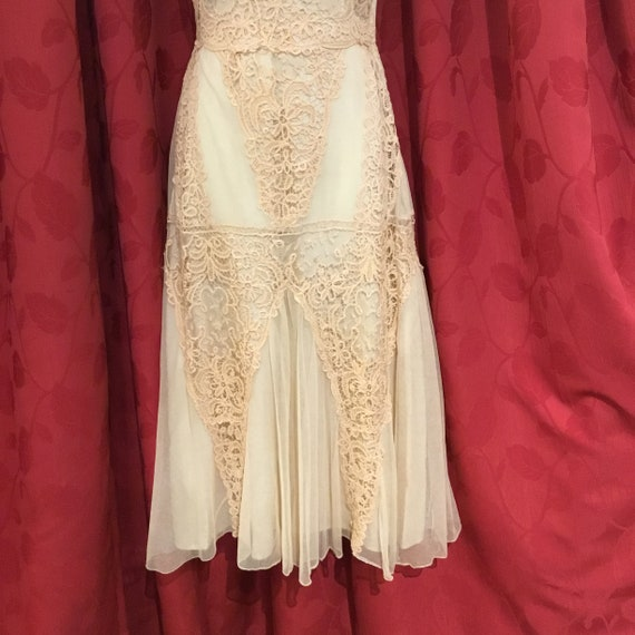 Reproduction 30s wedding dress - image 7