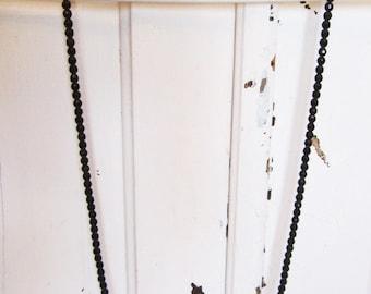 Long 1920s Art Deco Flapper Glass Beaded Necklace