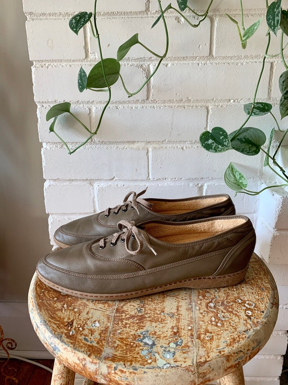 Vintage 1980s Shoes / Taupe Leather Terry Cloth La