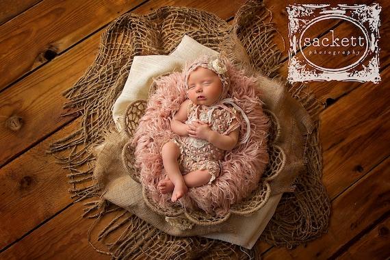 CHUNKY Burlap Layer Prop  Rustic Jute Blanket  Hessian Layer  Newborn Photo Prop  Open Weave Net  Basket Stuffer  Sitter Photo Prop