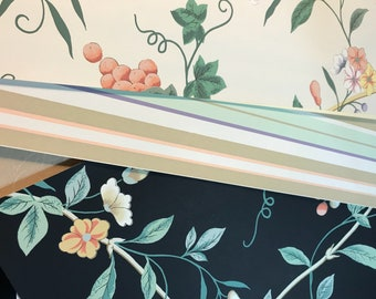 Wall paper pack.  Beautiful set of designer wallpapers.  10.4 ounces. 15 pages. Floral designer wallpaper.