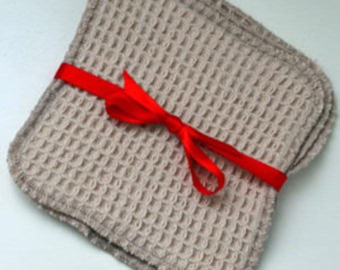 Organic Waffle Weave 5×5 Inches Facial Cleaning Squares Set of 3 with Mesh Bag