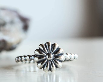 Daisy Ring, Flower Ring, Sterling silver jewelry, stacking ring