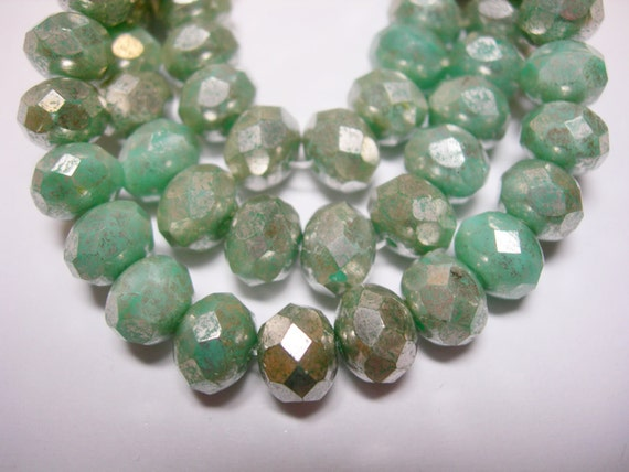 25 Mint Green Picasso Czech Glass Rondelle Beads 8x6mm