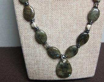 Labradorite Necklace with Pendant chuncky beaded wire wrap silver