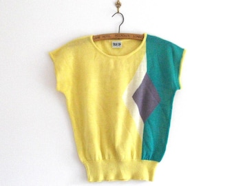 Vintage, Short Sleeve Knit Top in Bright Yellow - Geometric Design