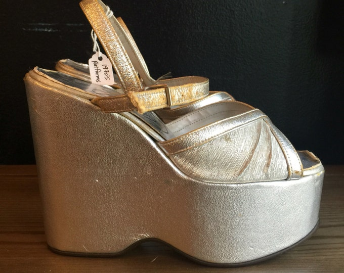 70s silver platforms size 7.5 / 1970s glam rock bowie era sky high wedges vintage shoes