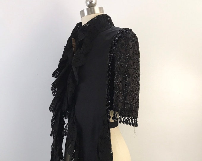 1890s VICTORIAN jet beaded and lace MANTLE capelet 1800s vintage