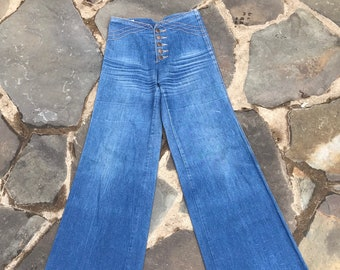 cd06d317cca 70s WIGGLES high waisted button fly denim wide leg BELL BOTTOMS jeans pants  vintage 1970s 28