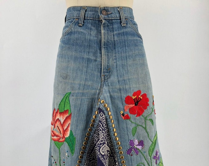 70s LEVIS custom floral embroidered denim skirt with rhinestones studs & patches vintage 1970s L
