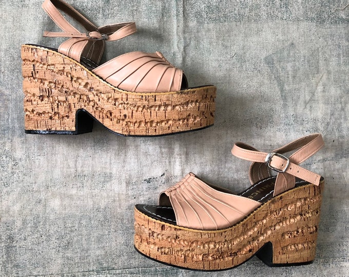 70s CORK finish nude PLATFORMS wedges shoes 1970s vintage 8