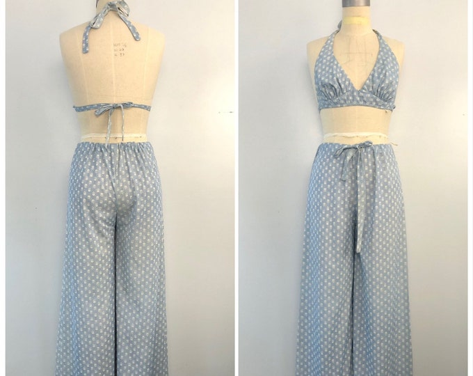70s pants set : vintage print halter top and bell bottoms  pale blue floral wide leg palazzo outfit 1970s vintage